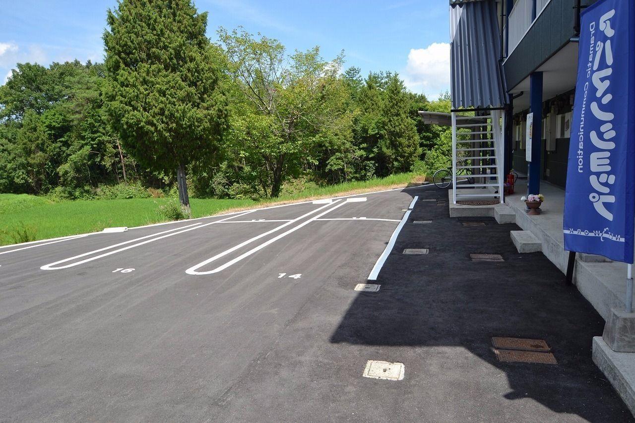 玄関前の駐車場です。