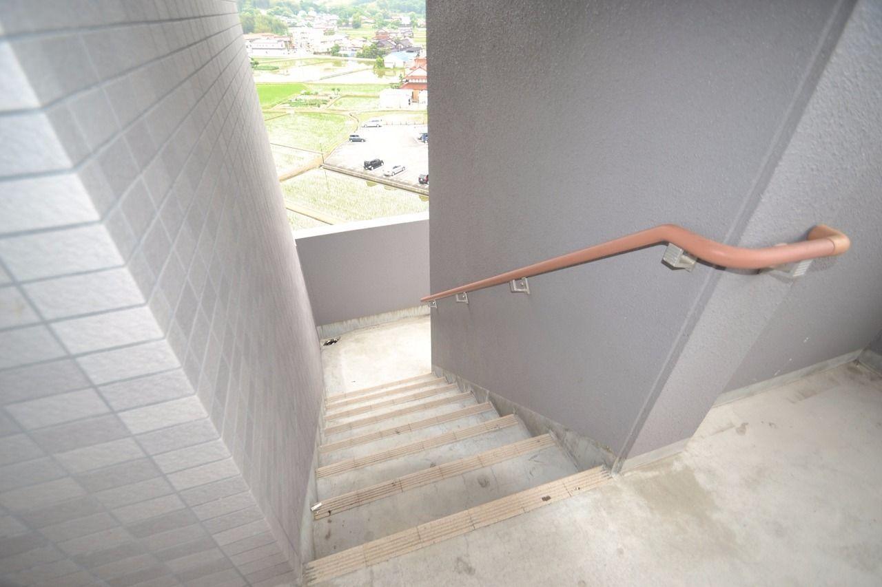 高層ですが、もちろん階段もございます。