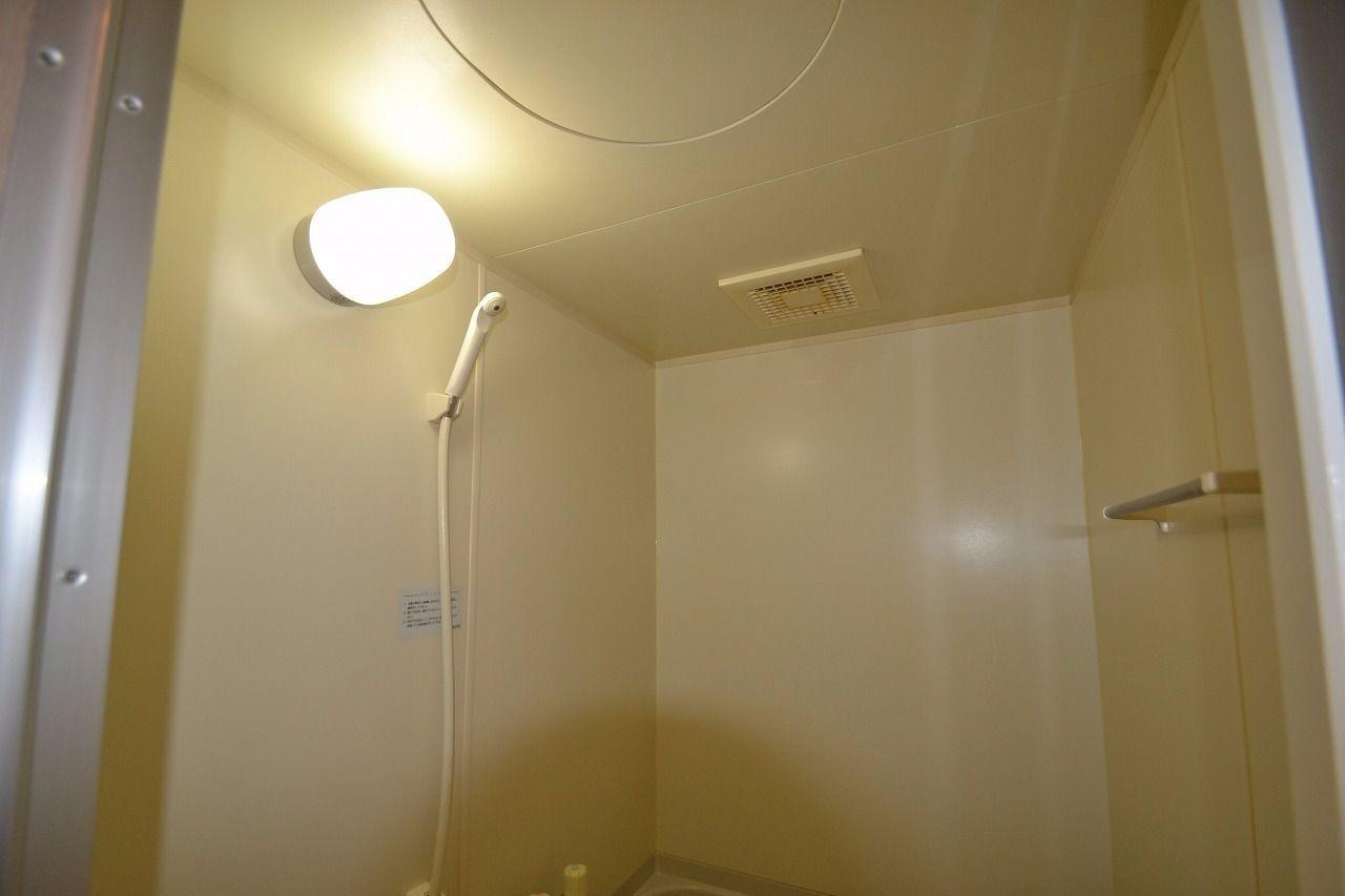 浴室にはもちろんシャワーがあります。