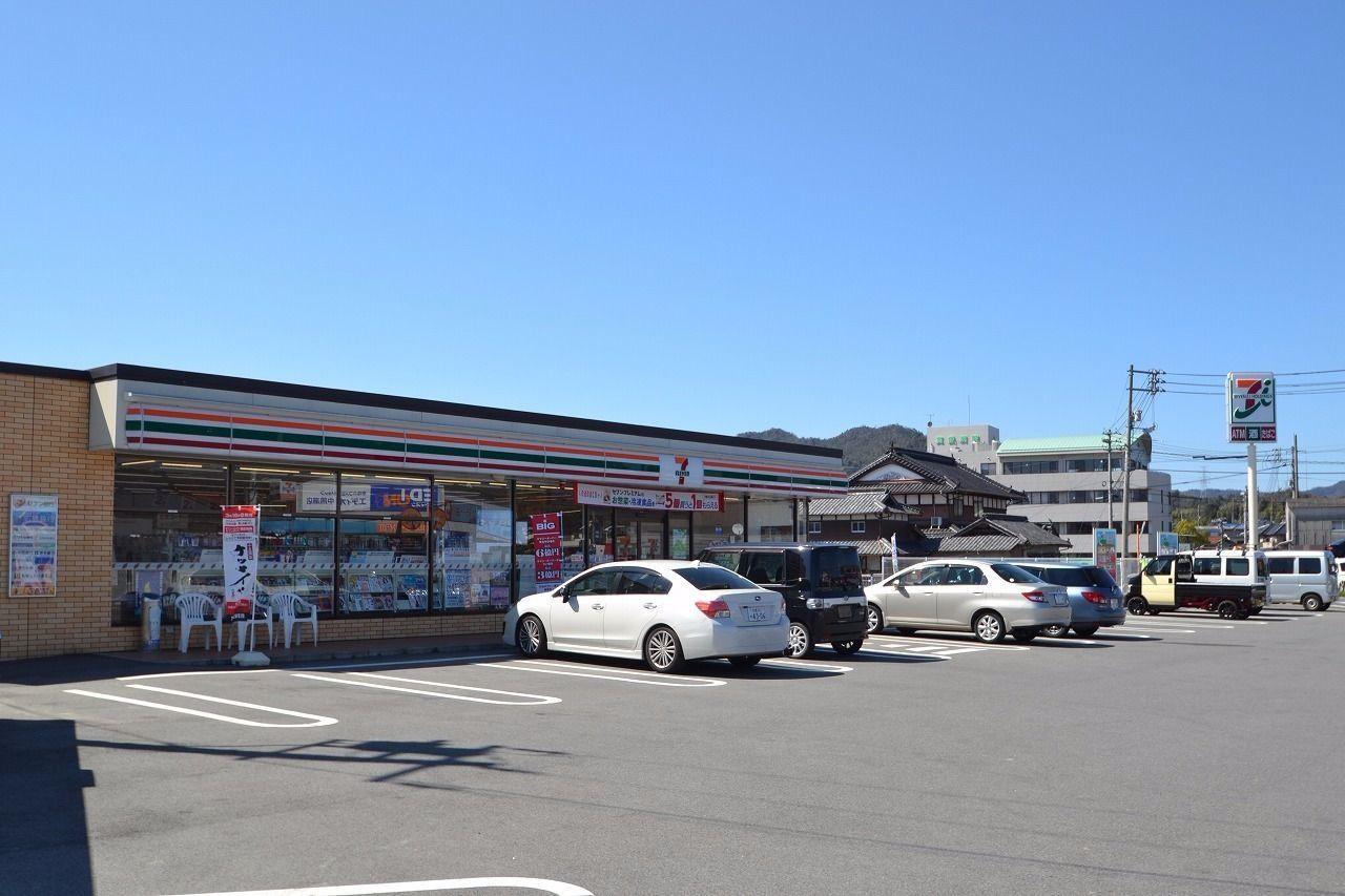 一番近くにあるコンビニです。駐車場が広く、行きやすいです!