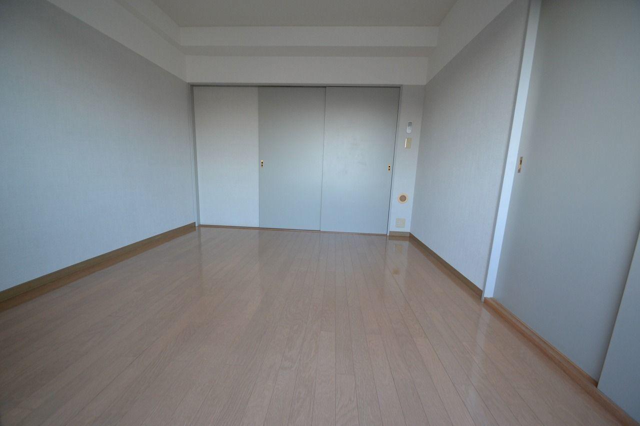DKとの境の扉を閉めてバルコニーから撮影。