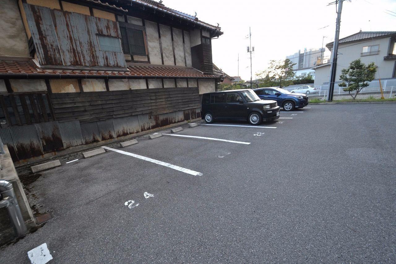 南側駐車場です。