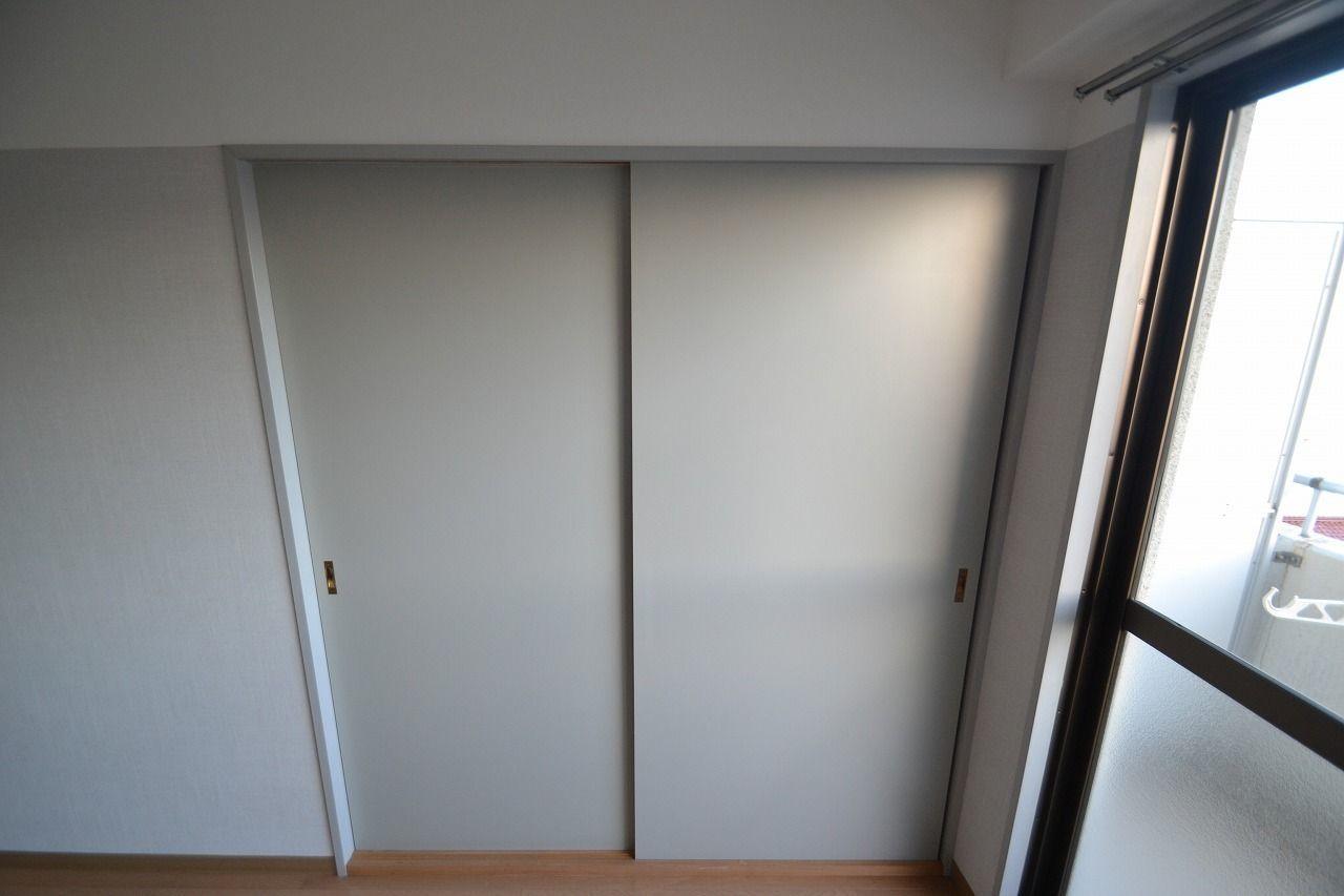 壁紙にマッチングした扉です!