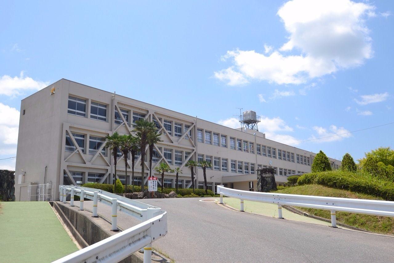 八本松地区の小中学校を紹介