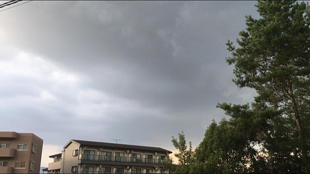 突然の雷雲