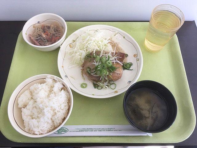 広島大学の食堂へ!