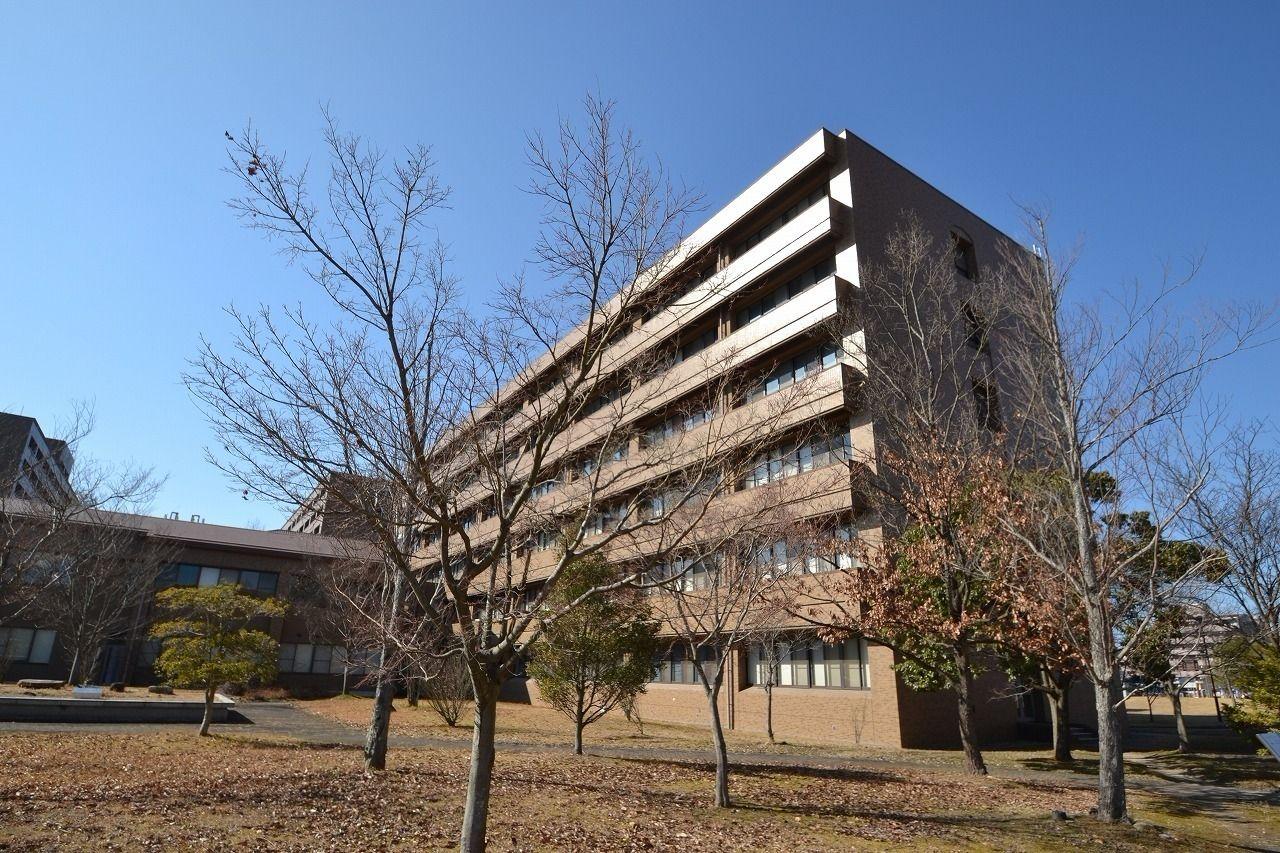 晴天の広島大学東広島キャンパス