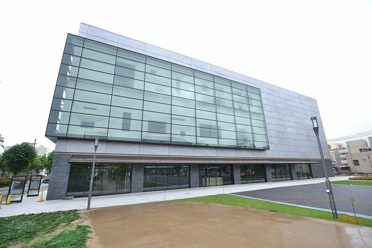 市立美術館開館